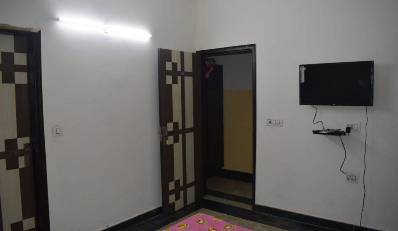 Pg in Sector 19 Noida1